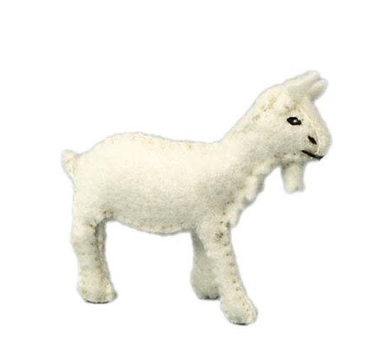 Witte geit in wolvilt.