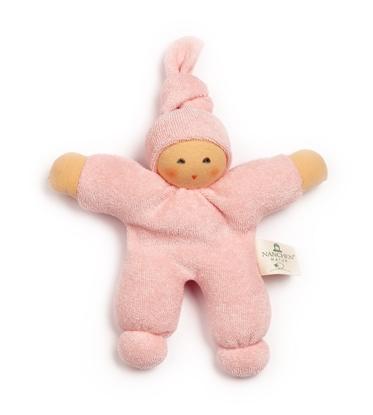Roos bio katoenen popje met puntmuts en handgeschilderd gezicht.