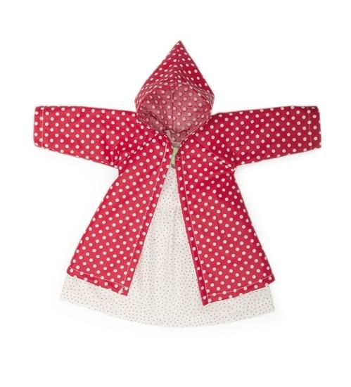 Bio poppenkleren bestaand uit een wit kleedje met rode stippen en een rode mantel met witte stippen.