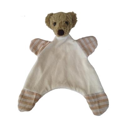 Lappenpopje in witte velours van biokatoen, met bruine teddybeer hoofd en bruin grijs gestreepte voeten en handen.