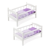 Deux lits superposés blancs disposés l'un à côté de l'autre, tous deux avec literie mauve.