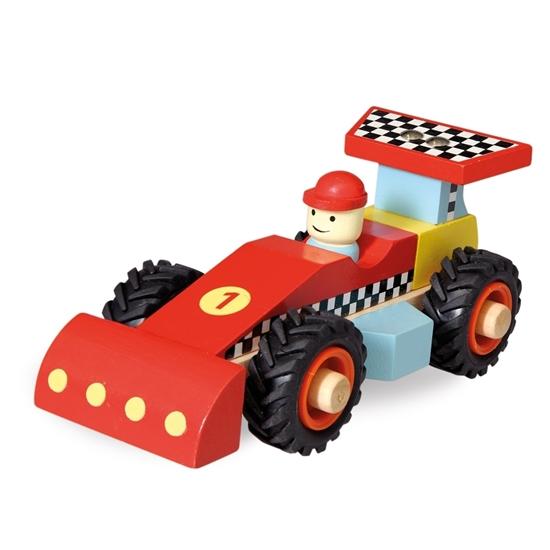 Rode houten speelgoed racewagen met coureur en zwarte rubberen banden.