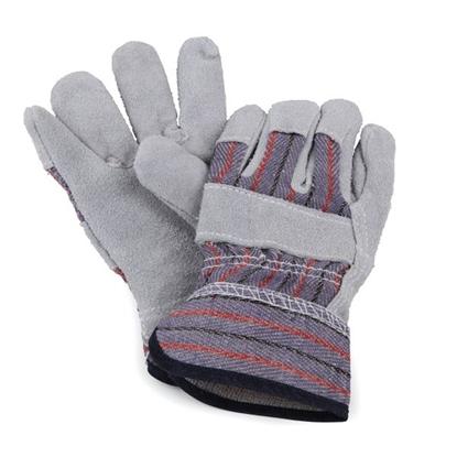 2 werkhandschoenen in grijs leder en blauw-rood gestreepte stof liggen op elkaar met de handpalmen naar elkaar en de vingers lichtjes verschoven tegenover elkaar.