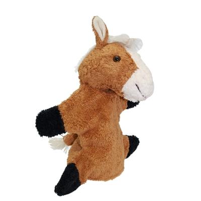 Bruine handpop paard in zuiver katoen, met witte manen, binnenoortjes en snoet  en zwarte poten.