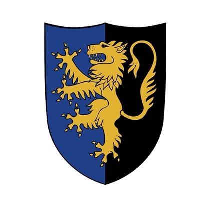 Klein speelgoed schild met opdruk van een gele heraldische leeuw. De rechter helft heeft een zwarte achtergrond, de linker een blauwe.