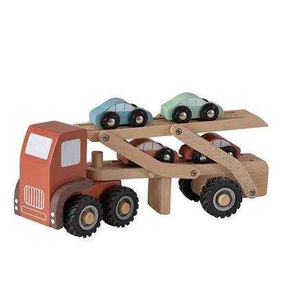 Rode houten speelgoed vrachtwagen met twee verdiepen waar vier kleine autootjes op vervoerd worden.